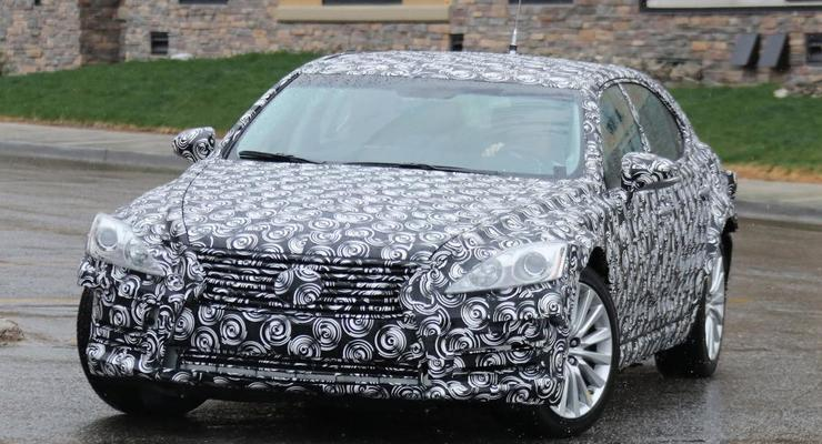Lexus вывел на тесты новое поколение седана LS