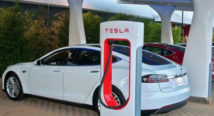 Министр: Tesla откроет в Украине три своих заправки