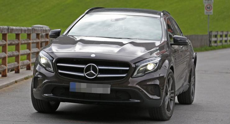 Mercedes-Benz вывел на тесты компактный кроссовер