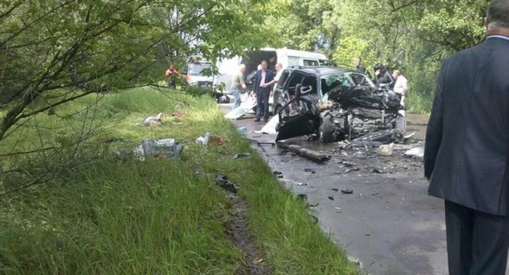 Пять человек погибли в лобовом столкновении под Черниговом