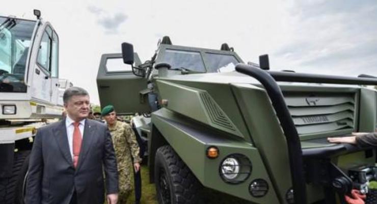 Порошенко осмотрел турецкий броневик для украинского рынка