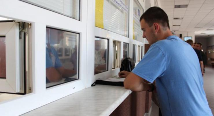 Аваков: первый сервисцентр МВД нового образца откроют летом