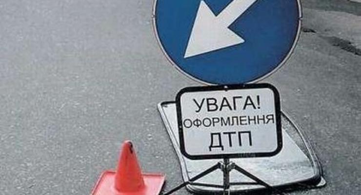 На Львовщине ВАЗ упал с моста в реку