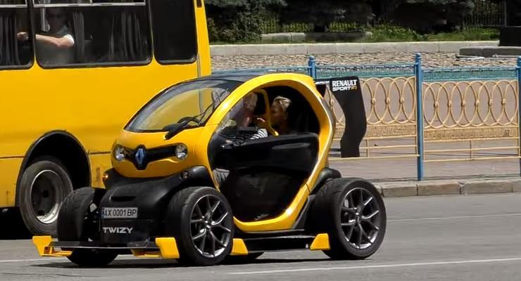 В Киеве заметили подделку под уникальный Renault