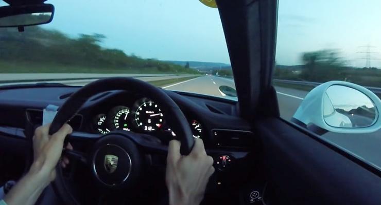 Porsche 911R разогнали до 320 км/ч на немецком автобане