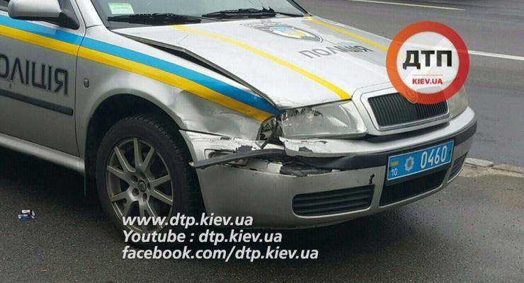 В Киеве авто полиции охраны попало в ДТП