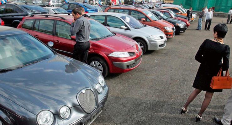 Названа десятка авто, покупать которые станет выгоднее после снижения акцизов