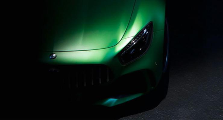 Mercedes-AMG показал тизер спорткара GT R