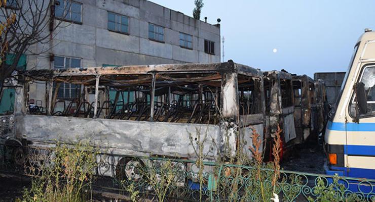 В Николаеве на стоянке сгорели шесть автобусов Эталон