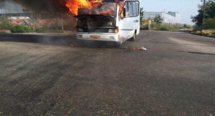 На трассе под Одессой сгорел автобус Богдан