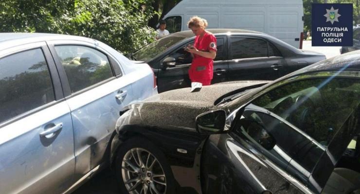 Проблемы со здоровьем водителя стали причиной аварии четырех авто в Одессе