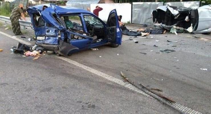 В ДТП на Киевщине погибли три человека