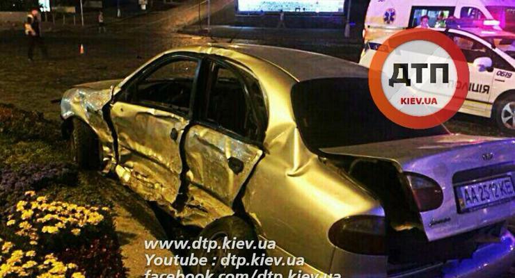 В Киеве Mercedes протаранил Daewoo