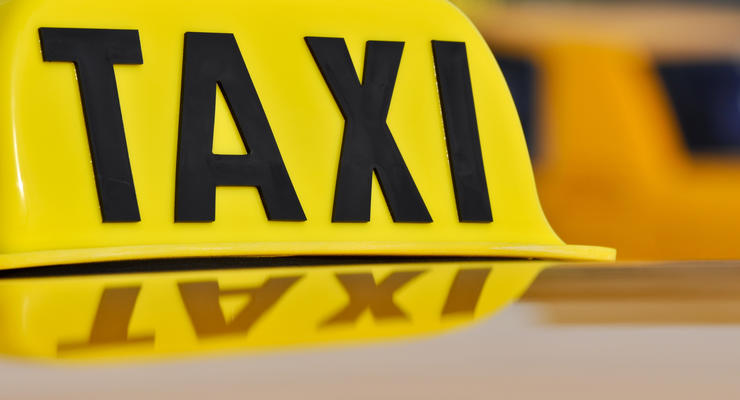 Таксисты об Uber: Не у всех же есть эти карточки банковские