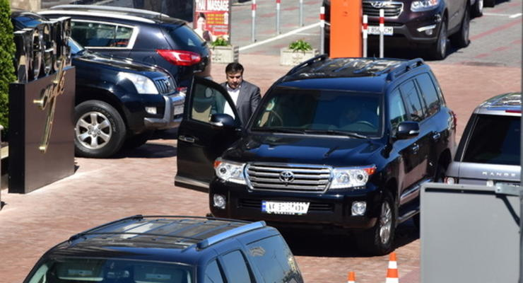 Стали известны подробности угона машины Саакашвили - источник