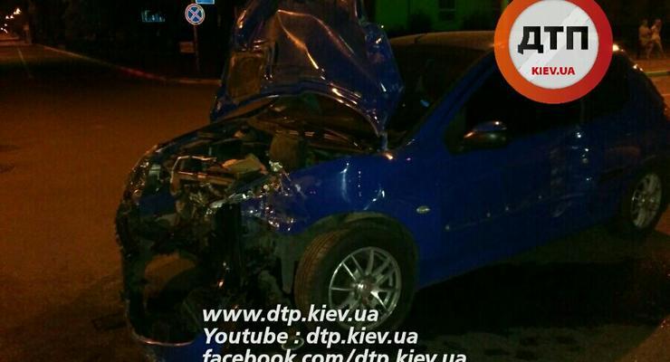 Под Киевом Peugeot врезался в Daewoo