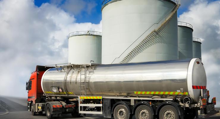 В Украине упали продажи бензинов