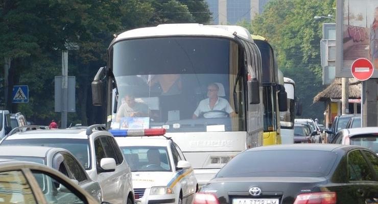 Пробки в Киеве: из-за крестного хода в центре парализовано движение