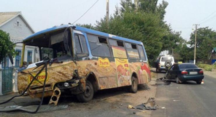 В Мариуполе маршрутка попала в аварию