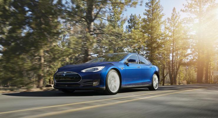 Tesla допустила ошибку автопилота в смертельной аварии с Model S