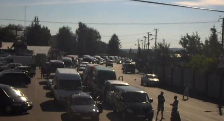 На границе с Польшей скопилось более тысячи авто