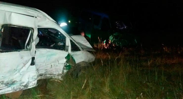 На Львовщине столкнулись два микроавтобуса: семь человек в реанимации