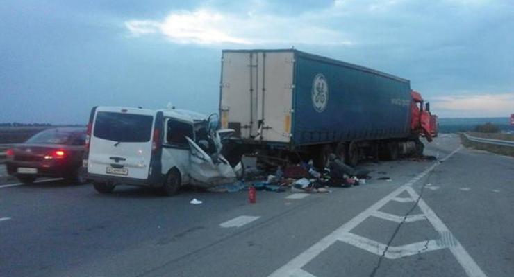 ДТП на трассе Киев-Одесса забрало жизни 8 человек