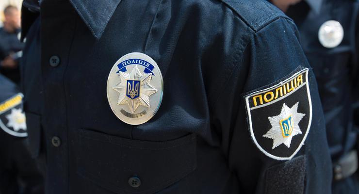 """На Волыни нарушительница обругала полицейских, угрожая """"крышей"""" в МВД"""