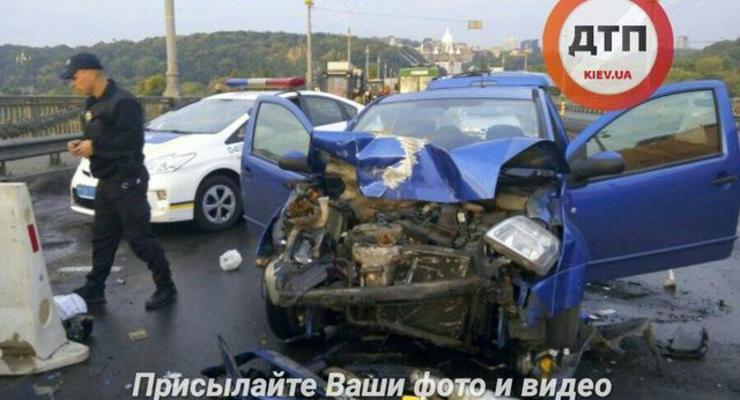 В Киеве пьяный водитель спровоцировал ДТП с пожаром