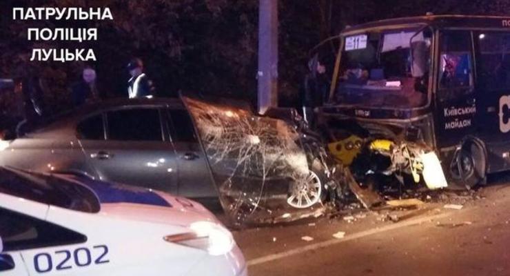 Смертельное ДТП в Луцке: BMW на встречке врезалось в маршрутку
