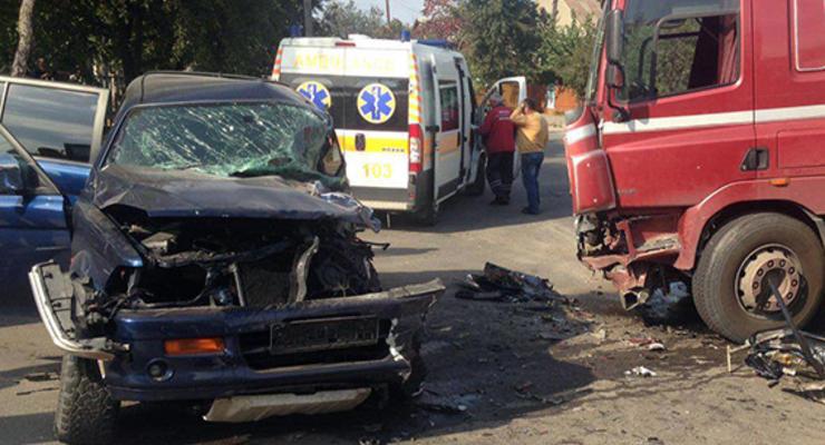 Страшное ДТП в Хмельницком: водитель внедорожника в реанимации