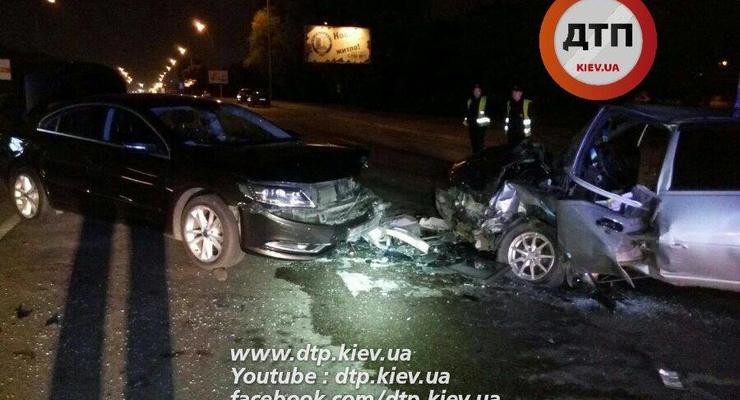 Пьяное ДТП в Киеве: водитель решил развернуться через двойную сплошную