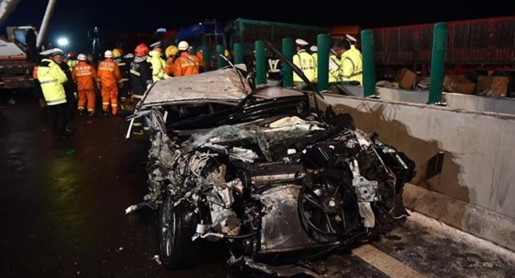 Масштабное ДТП в Китае: погибли 17 человек в аварии из 56 авто