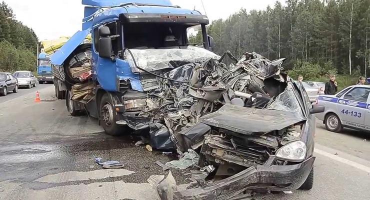 Названы смертельно опасные дороги в Украине