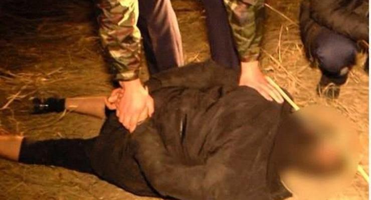 В Киеве вооруженный преступник угнал такси вместе с водителем
