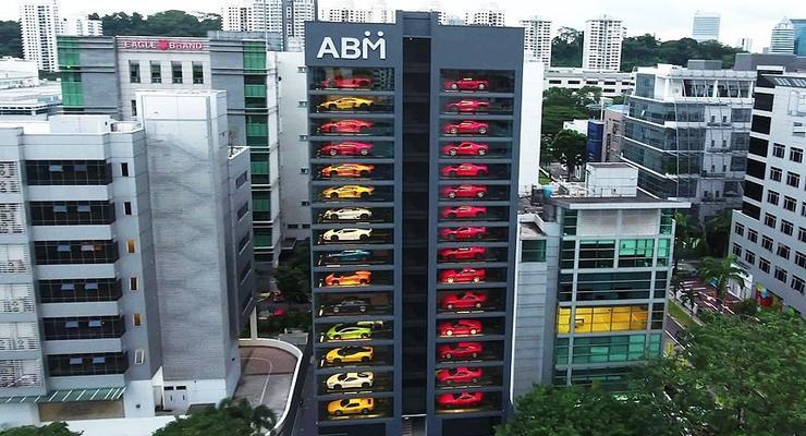 В Сингапуре появился огромный автомат по продаже автомобилей