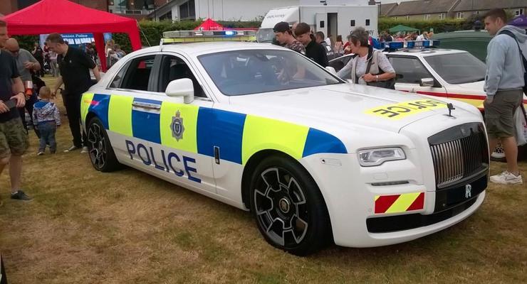 Роскошный Rolls-Royce стал полицейским автомобилем