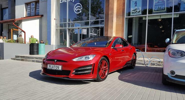 Украинские тюнеры показали свой вариант Tesla Model S