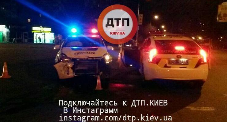 В Киеве разбили полицейский автомобиль