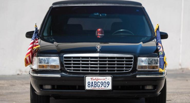 "В США Cadillac как у Клинтона продадут за ""копейки"""