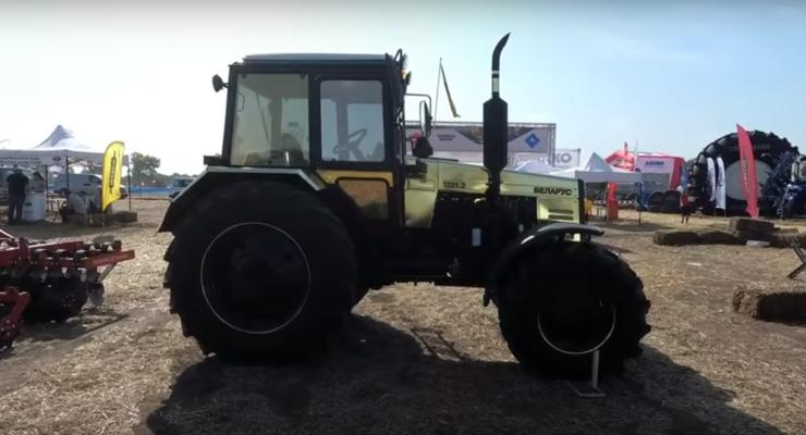 В Киевской области засветился очень гламурный трактор