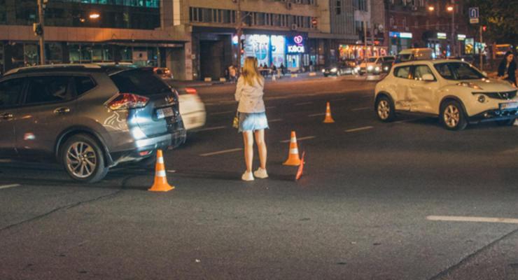 Столкновение двух Nissan в центре Киева: Пострадали две девушки