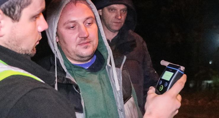В Киеве пьяный мужчина устроил ДТП и скрылся в лесу
