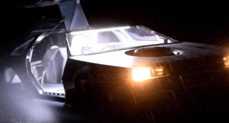"""Мечта детства: Фанат """"Назад в будущее"""" переделал DeLorean в летающее авто"""