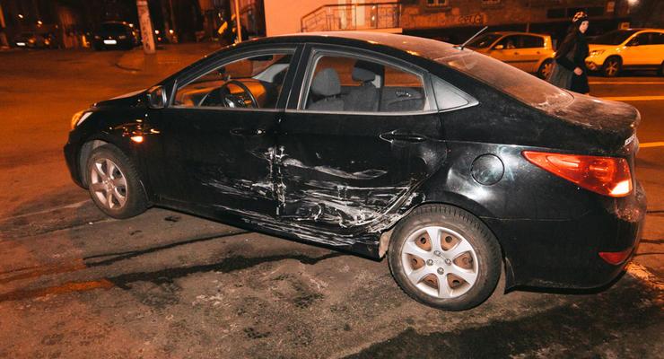 Ударилась животом: В ДТП в Киеве пострадала беременная женщина