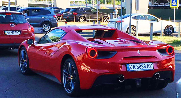 Сколько автомобилей Ferrari зарегистрировано в Украине