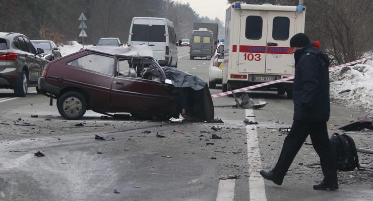 В жутком лобовом столкновении Таврия и Volkswagen в Киеве погибло 3 человека