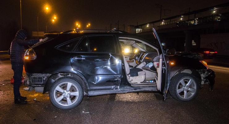 В Киеве пьяный водитель разбил 4 авто в ДТП и скрылся - есть пострадавшие