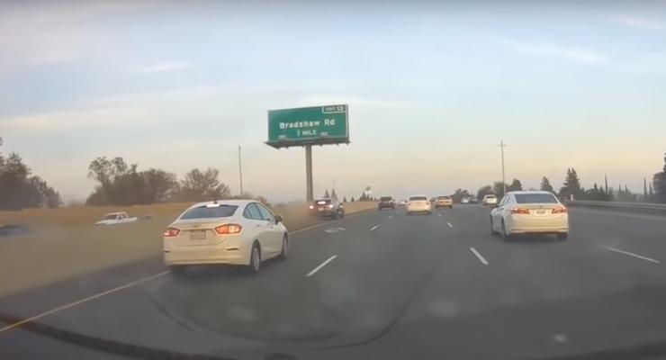 Автопилот Tesla обвиняют в аварии в США: Появилось видео инцидента
