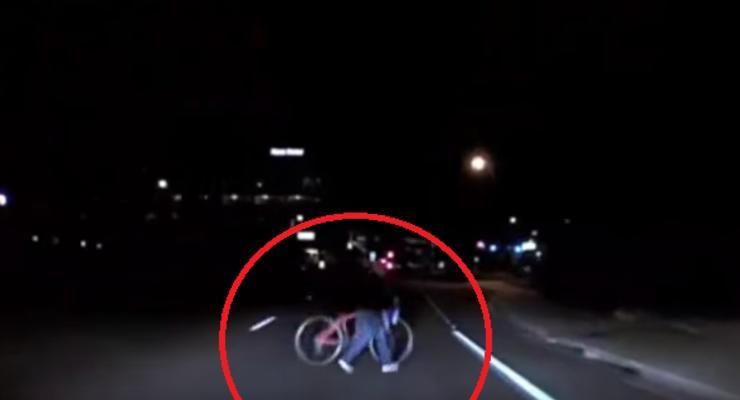 В США машина на автопилоте сбила насмерть женщину: Какое решение принял суд
